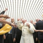 Break mirror of narcissistic culture, pope tells Shalom community