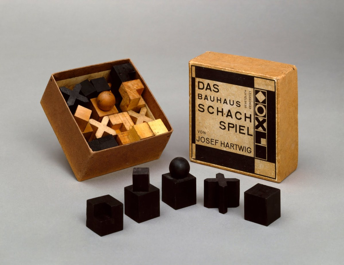 Bauhaus Schachspiel 1922 Bauhaus Chess Set | The Charnel-house