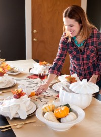 DIY Thanksgiving Table Runner - The Chic Site