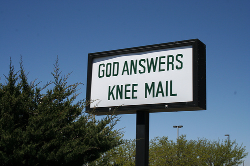 Knee-Mail-Church-Sign