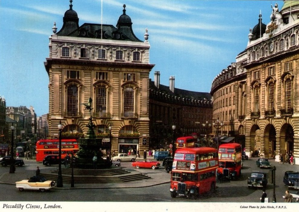 Hotel Saint Ouen 93 Piccadilly Circus In Postcards - The Cine-tourist