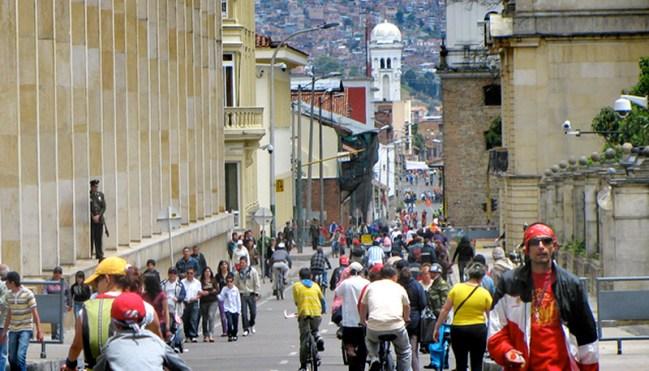 Ciclovia in Bogotá by Cidades para Pessoas