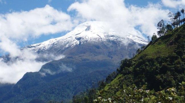 El Nevado de Ibague by Edgar Jimenez
