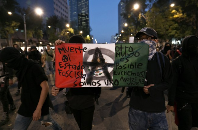 Marches in Mexico city against the economic policies of Peña Nieto.
