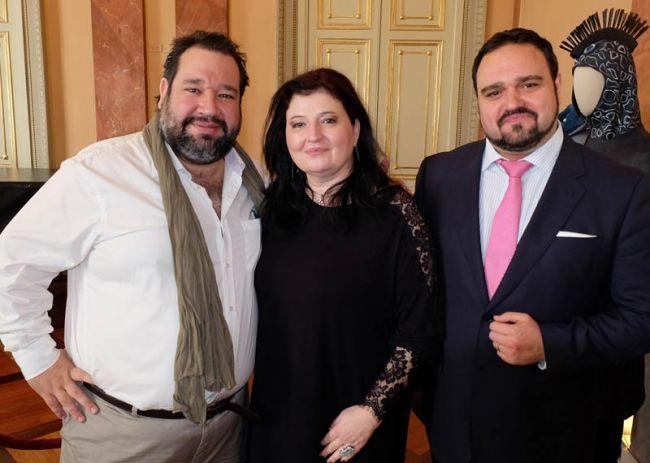 Valeriano Lanchas, Dimitra Theodossiou, Sergio Escobar