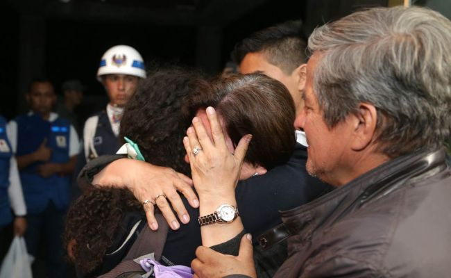 Colombian families repatriated after Ecuador quake