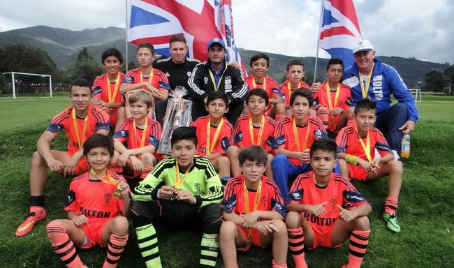 Colombian youth train for the big leagues with Alset Bolton, based in Bogotá.