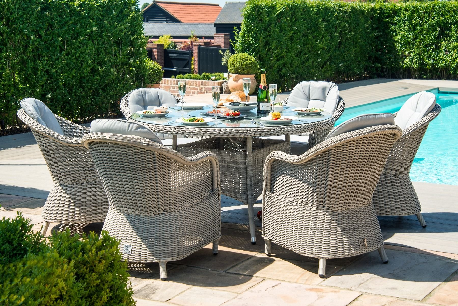 Maze Rattan Oxford 6 Seat Round Fire Pit Dining Set With Heritage Chairs The Clearance Zone - Clearance On Garden Furniture