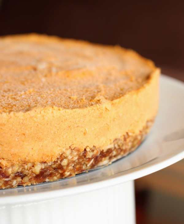 Vegan Pumpkin Spice Cheesecake