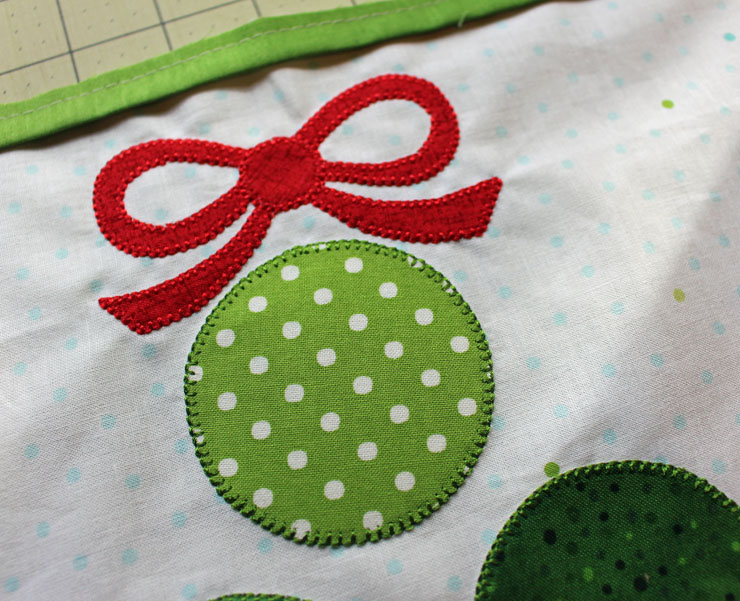 peak at applique
