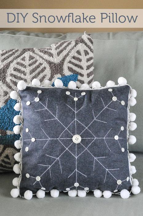 DIY-snowflake-pillow