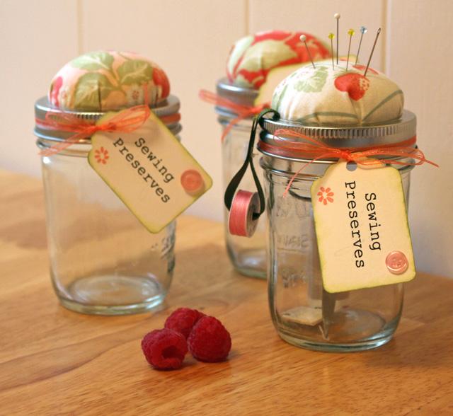 Mason Jar Sewing Kit @ The Crafty Quilter
