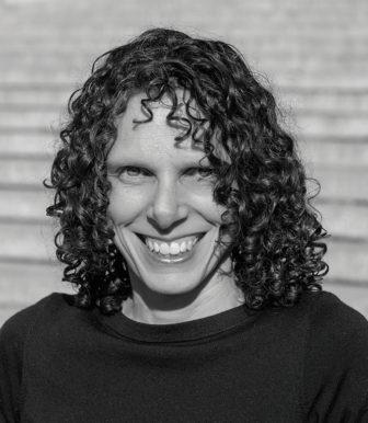 Alisa Roth
