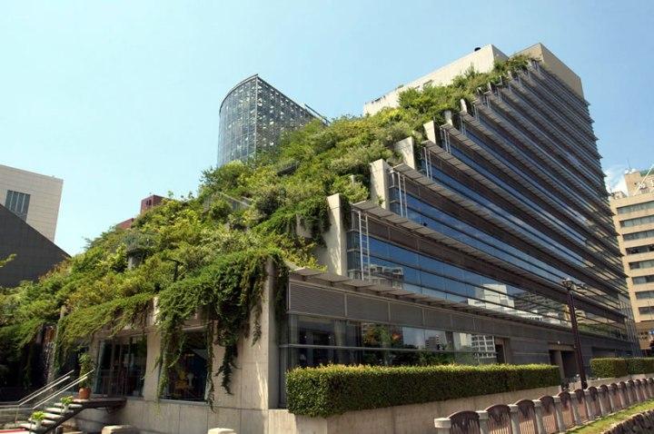 edificio-de-hosteleria-con-conteiners-iso-house21