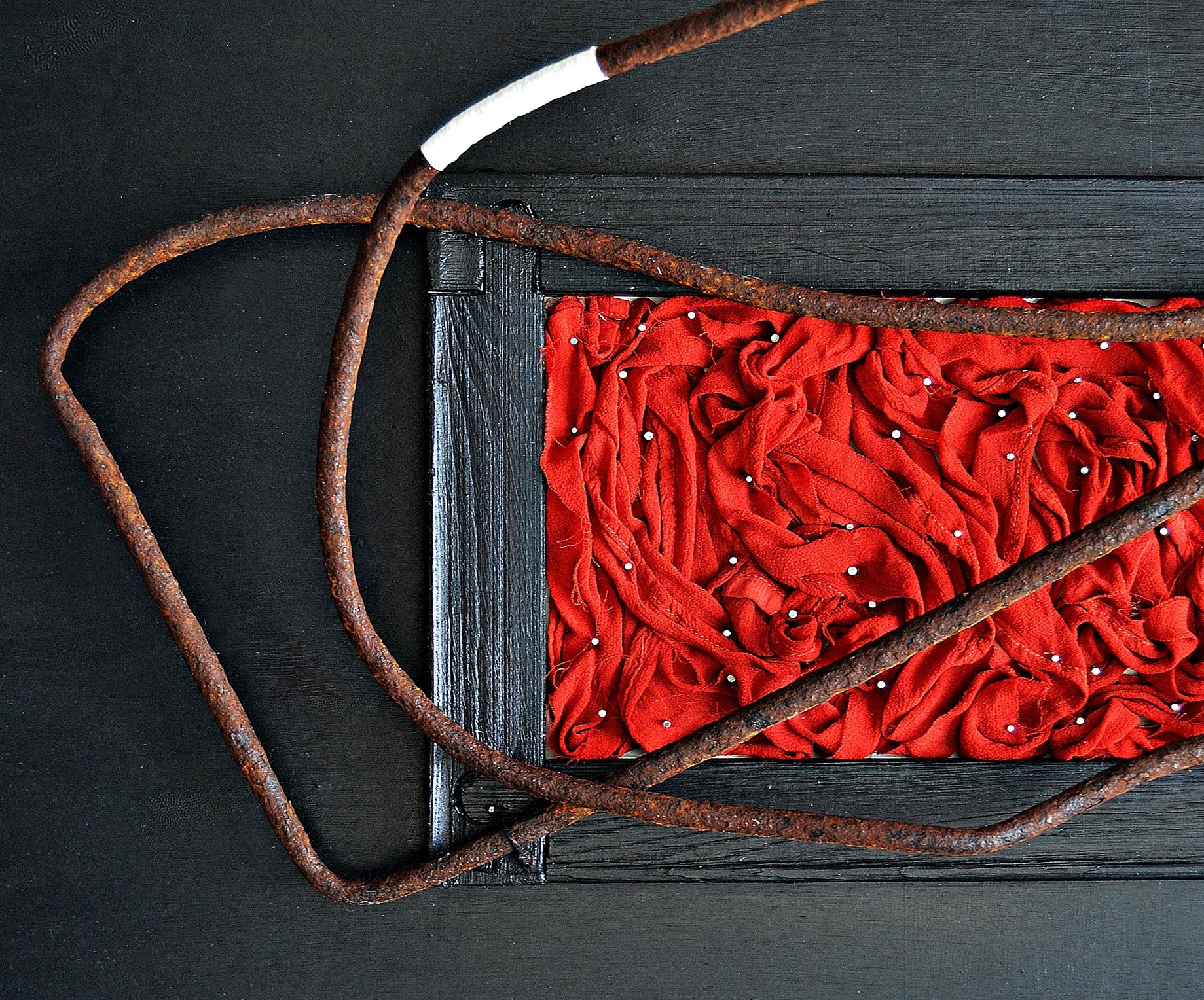 Devolver a la vida objetos que nadie quiere es la base de la expresión de El viajero del Faro.