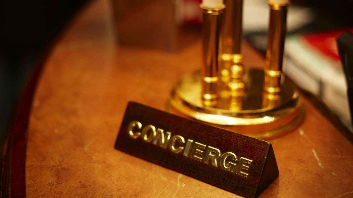 Office Desk Wallpaper Hd Travel Tip 19 Treat Your Hotel Concierge As The Ultimate