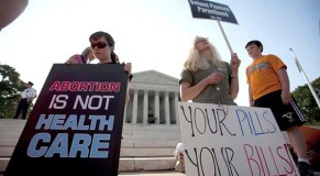 Poll: Americans doubt Supreme Court's fairness in health law case