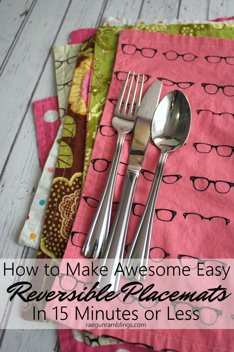 Free pattern for how to make reversible placemats. Great DIY sewing tutorial
