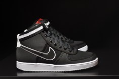 Nike Vandal (Black/White/Red)
