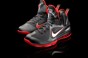 Nike Air Max LeBron 9