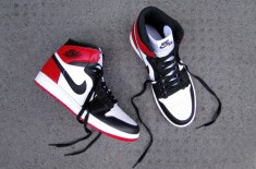 "Air Jordan 1 Hi OG Retro ""Black Toe"""