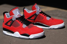 Air Jordan IV Retro Fire Red 'Toro Bravo'