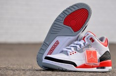 "Air Jordan III ""Fire Red"" 2013 Retro"