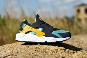 Nike Air Huarache LE 'Catalina'