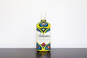 Competition: Win a unique hand painted whiskey bottle by Insa