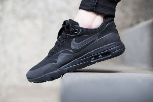 Nike Womens Air Max 1 Ultra Moire (Black/Black)
