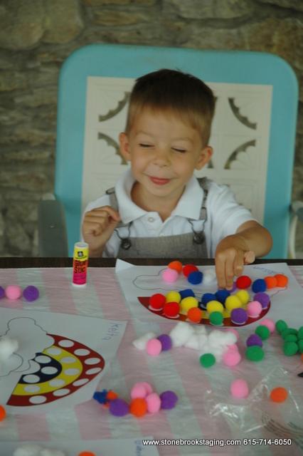 DSC 0613 Rainbow Birthday Party (Joan Walsh Anglund)
