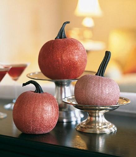 Glitter Pumpkins via martha Easy Peasy Ways to Decorate a Pumpkin