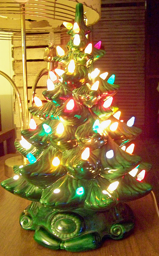 vintage green ceramic christmas tree via flickr Ceramic Christmas Trees