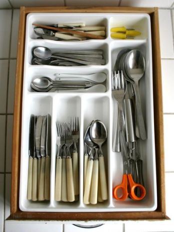 kitchen drawer via chez larsson Edit and Declutter Your Kitchen