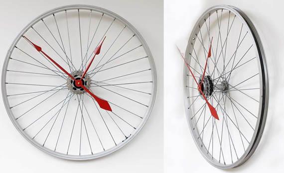 Recycled Bike Wheel Clock via coolmaterial Handmade Clocks