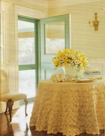 ruffled entry table via absolutelybeautifulthings Ruffles