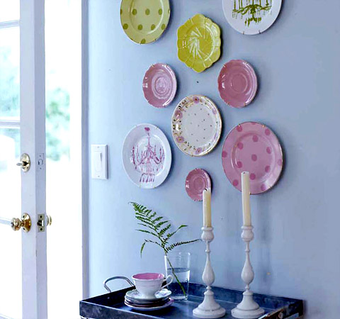 plates via mysweetsusannah Plate Collages (The Art of Creative Plate Hanging)