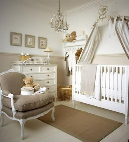 cream nursery via customnurseryart blogspot Gender Neutral Nurseries