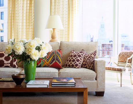 sofa pillows via house beautiful1 How Light Affects Paint Colors