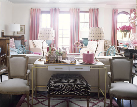 pink and turquoise living room by joe nye via flickr Pink + Turquoise = Its a Festivus Miracle!