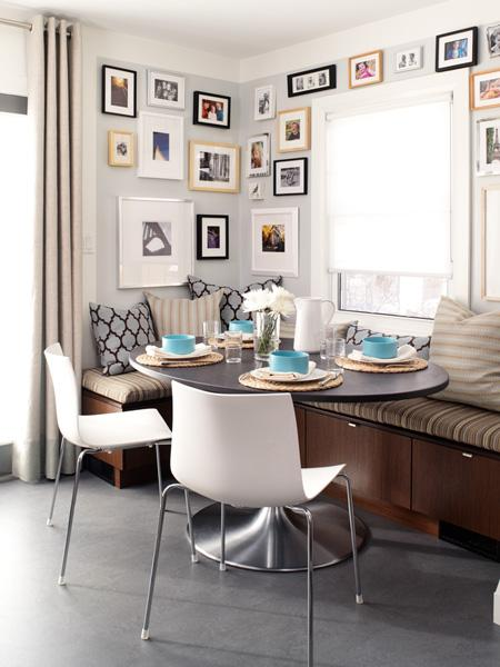 banquette gallery wall via designmanifest blogspot Banquette Bonanza & Free Virtual Design!