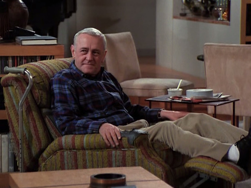 frasier chair via maeby tumblr The Truth About Men & Decorating