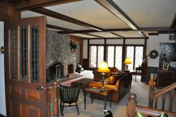 DSC 0008 600x398 How Do You Paint a Tudor Style Home?