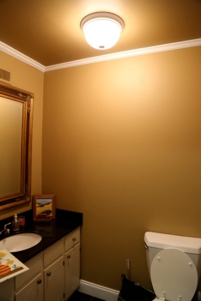 7O3A6252 400x600 The One Color You Should NEVER Paint Your Bathroom