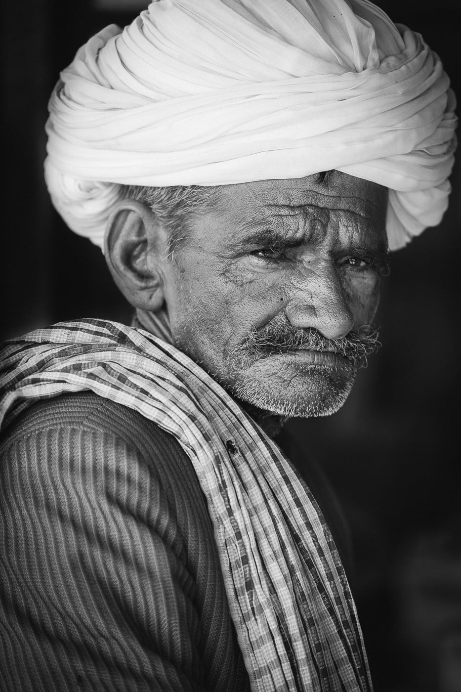 A proud Rajasthani man on the road to Pushkar.
