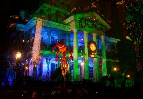 HALLOWEEN TIME at the Disneyland Resort, Haunted Mansion Holiday