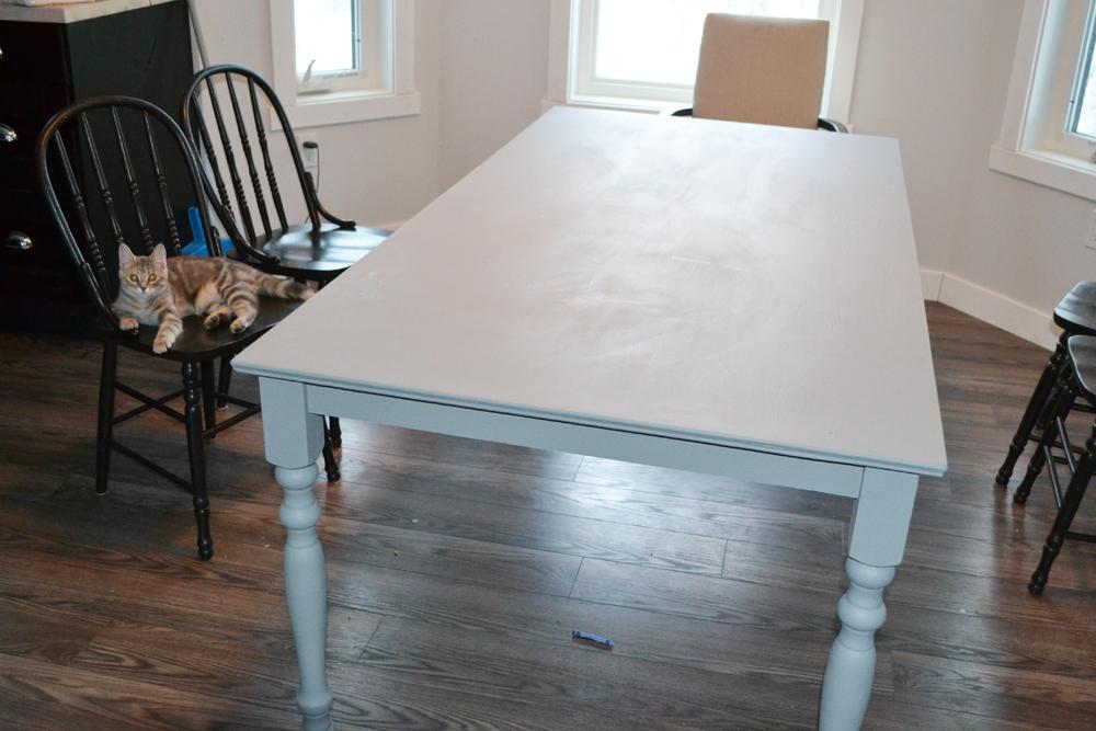 A Shabby Chic Farmhouse Table with DIY Chalk Paint