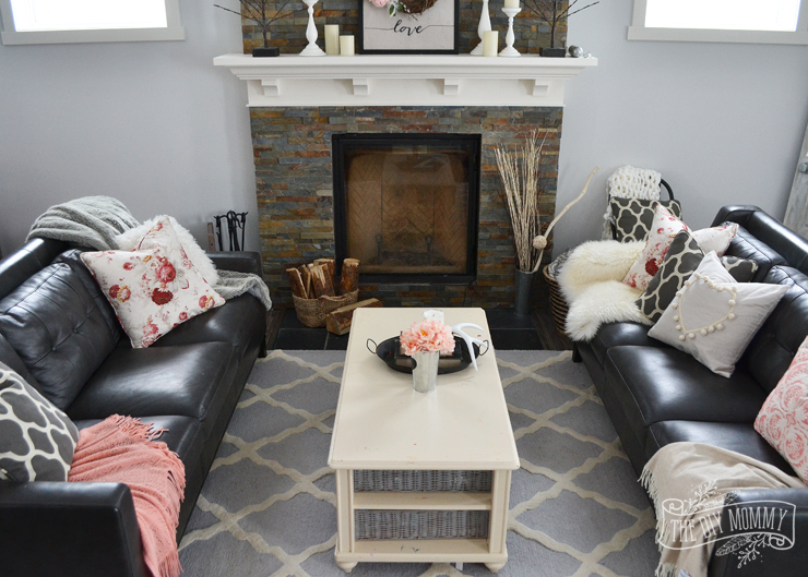 Black And White Decorating Ideas For Living Rooms