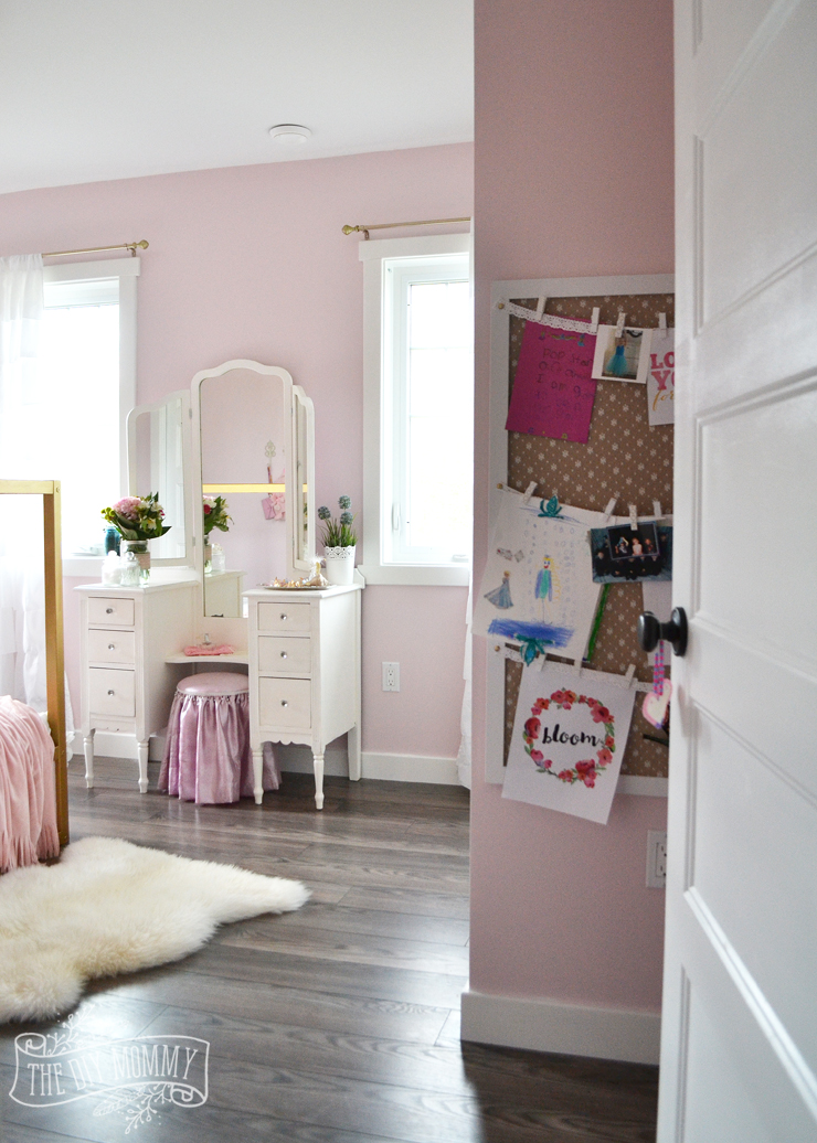 Shabby Chic A Pink, White & Gold Shabby Chic Glam Girls' Bedroom