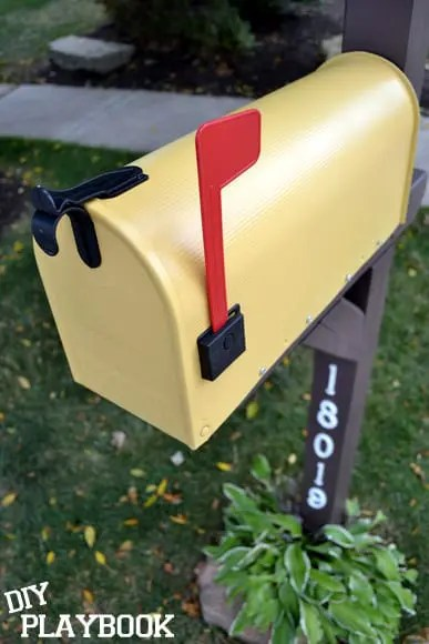 Close-Up-Yellow-Mailbox